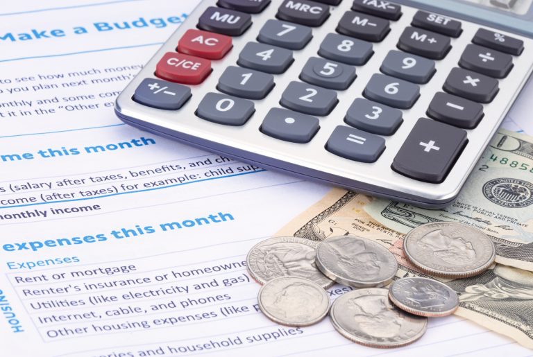 Calculating a Household Budget with Intelligent Energy Storage Savings
