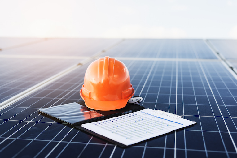 How Solar Contractors Can Benefit from the Home Renewables Market Through WISE Technology
